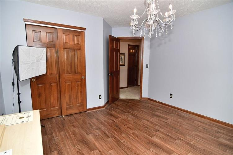 3343 Yorkshire Drive Greenwood IN 46143 | MLS 21710233 | photo 30