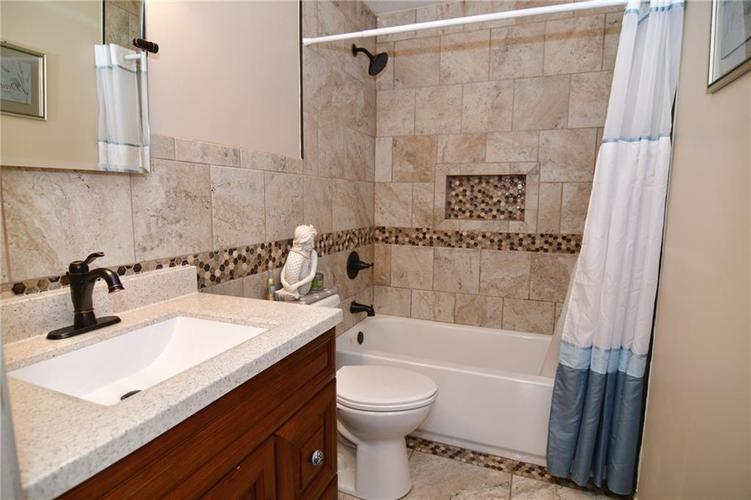 3343 Yorkshire Drive Greenwood IN 46143 | MLS 21710233 | photo 32