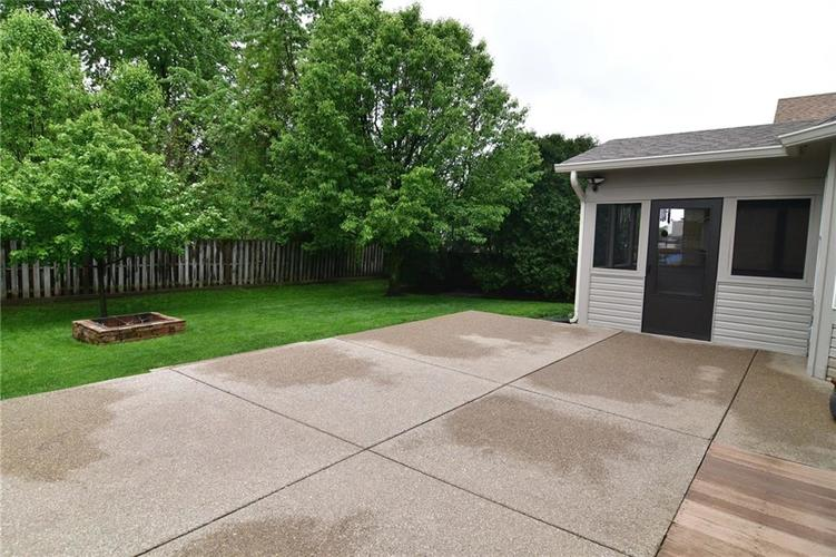 3343 Yorkshire Drive Greenwood IN 46143 | MLS 21710233 | photo 45