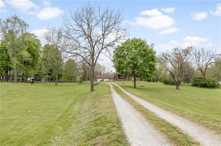 5361 Shelbyville Road Indianapolis IN 46237 | MLS 21710246 | photo 2