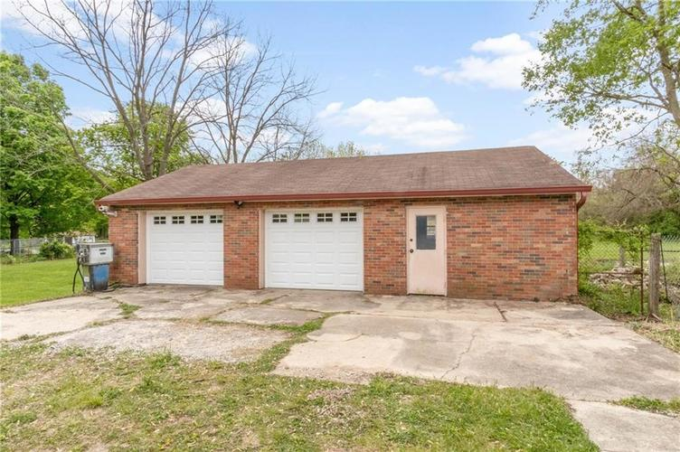 5361 Shelbyville Road Indianapolis IN 46237 | MLS 21710246 | photo 21