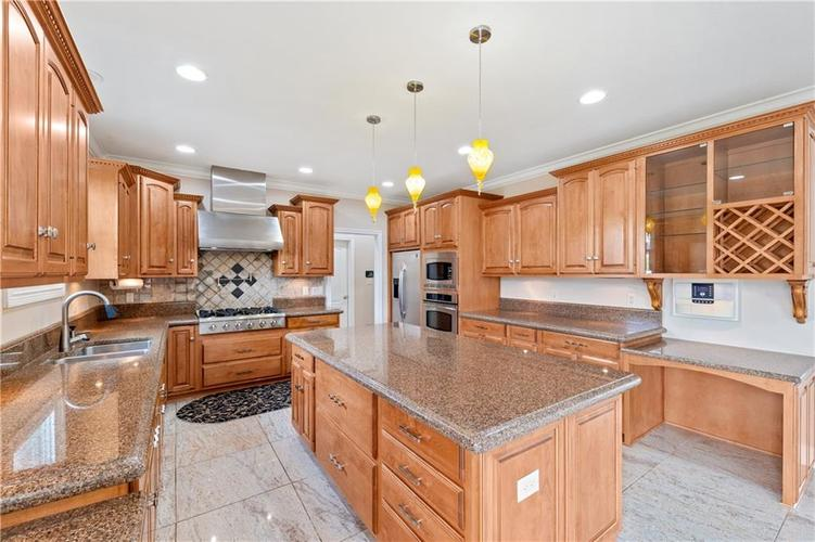5432 Ashby Court Greenwood IN 46143 | MLS 21710253 | photo 12