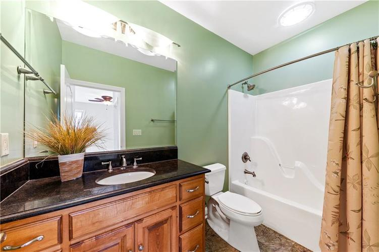 5432 Ashby Court Greenwood IN 46143 | MLS 21710253 | photo 22