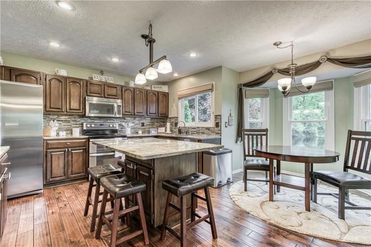 10324 DOLPHIN Lane Indianapolis IN 46256 | MLS 21710305 | photo 26