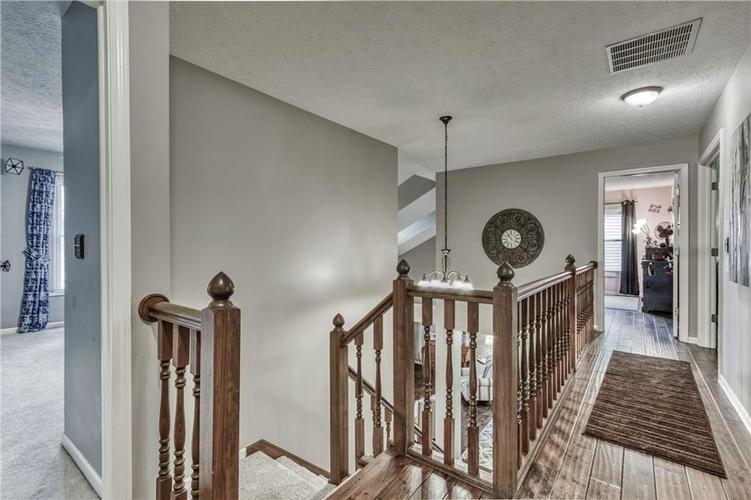 10324 DOLPHIN Lane Indianapolis IN 46256 | MLS 21710305 | photo 36