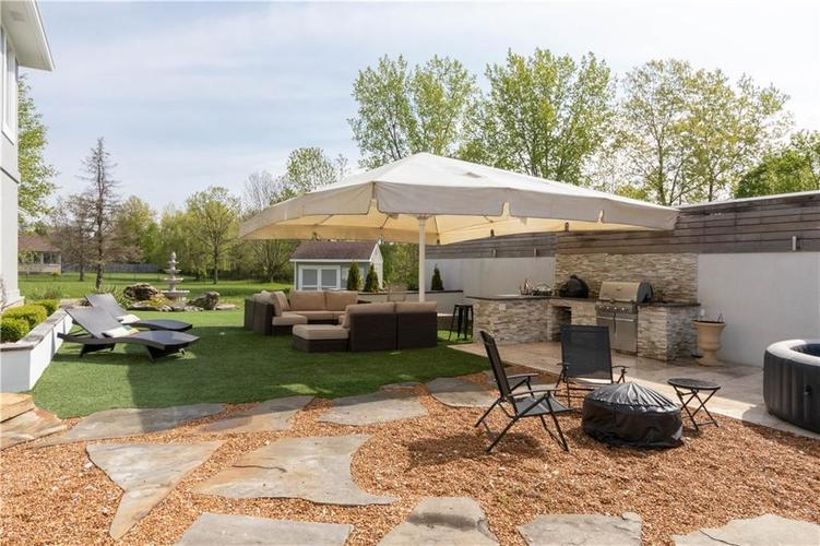 6758 Perrier Court Indianapolis IN 46278 | MLS 21710343 | photo 2