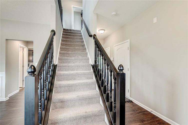 8839 Fielding Lane Indianapolis IN 46239 | MLS 21710368 | photo 13