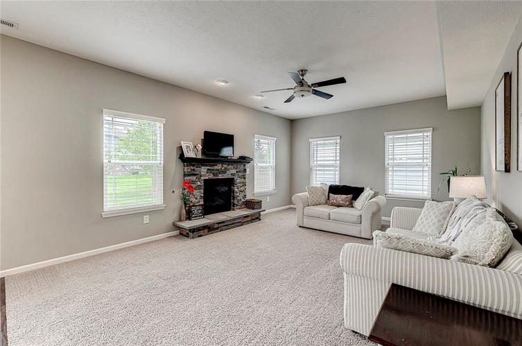 8839 Fielding Lane Indianapolis IN 46239 | MLS 21710368 | photo 15