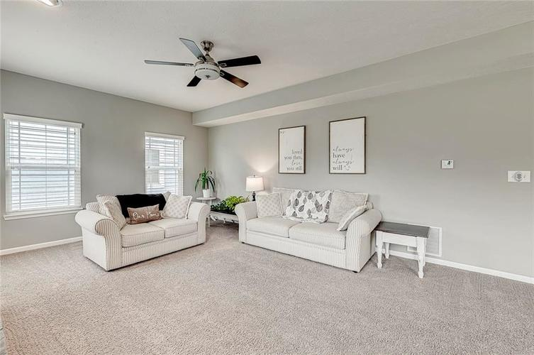 8839 Fielding Lane Indianapolis IN 46239 | MLS 21710368 | photo 16