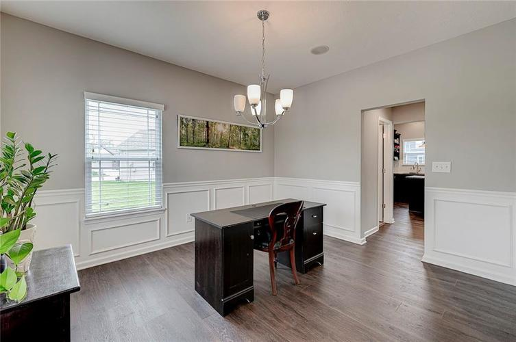 8839 Fielding Lane Indianapolis IN 46239 | MLS 21710368 | photo 24