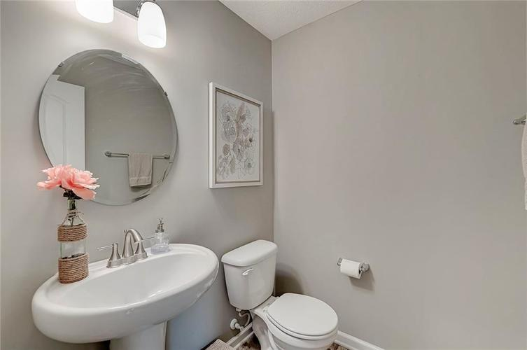 8839 Fielding Lane Indianapolis IN 46239 | MLS 21710368 | photo 26
