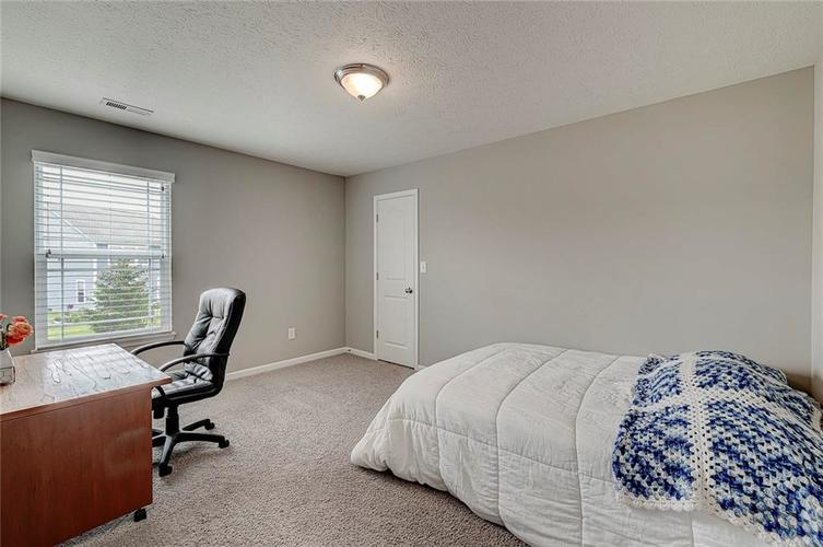 8839 Fielding Lane Indianapolis IN 46239 | MLS 21710368 | photo 34