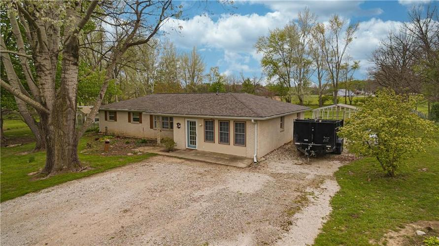6243 E US Highway 36 Bainbridge IN 46105 | MLS 21710418 | photo 2