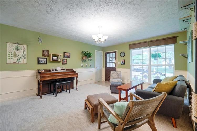 4014 E Stop 10 Road Indianapolis IN 46237 | MLS 21710473 | photo 10