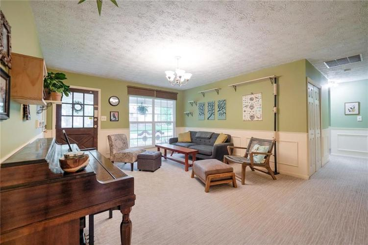 4014 E Stop 10 Road Indianapolis IN 46237 | MLS 21710473 | photo 11