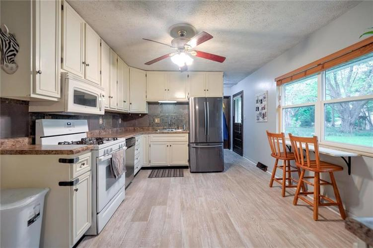 4014 E Stop 10 Road Indianapolis IN 46237 | MLS 21710473 | photo 12