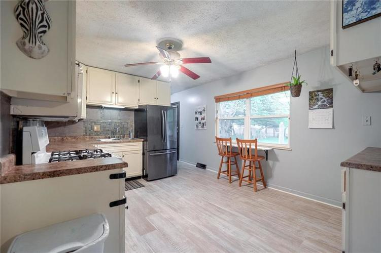 4014 E Stop 10 Road Indianapolis IN 46237 | MLS 21710473 | photo 13
