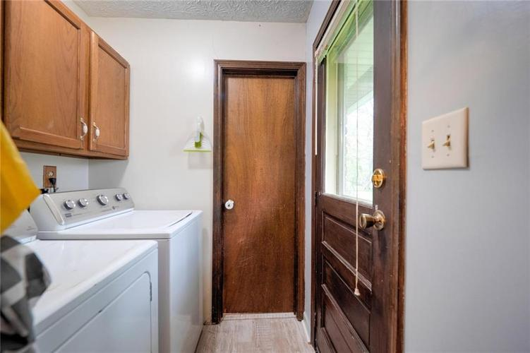 4014 E Stop 10 Road Indianapolis IN 46237 | MLS 21710473 | photo 16