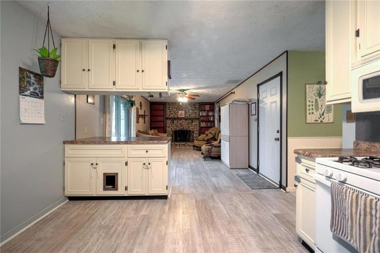 4014 E Stop 10 Road Indianapolis IN 46237 | MLS 21710473 | photo 18