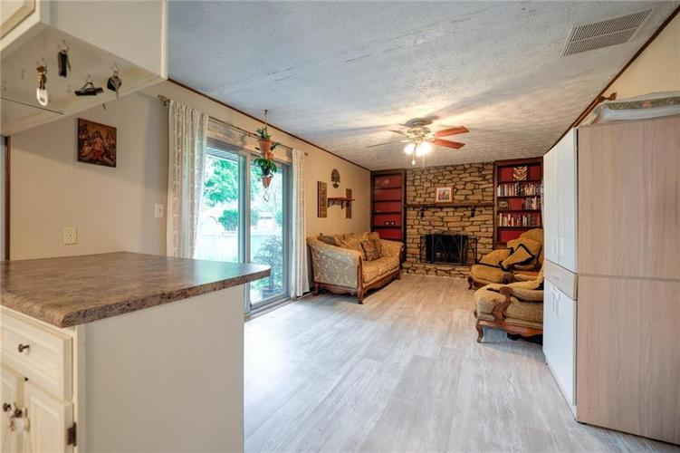4014 E Stop 10 Road Indianapolis IN 46237 | MLS 21710473 | photo 19