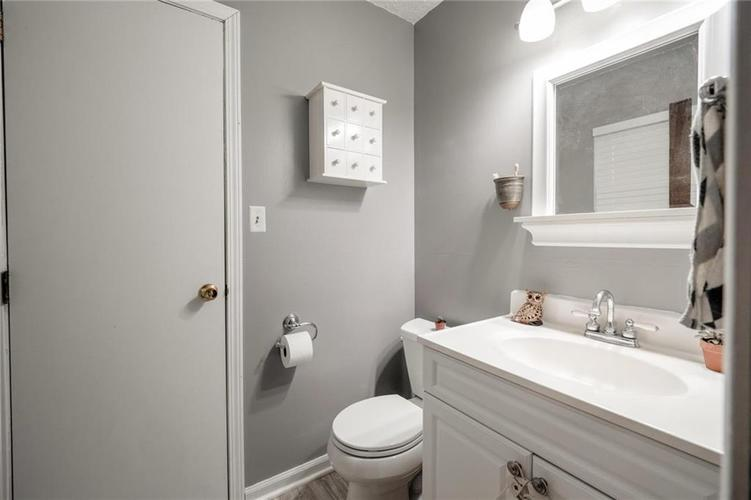 4014 E Stop 10 Road Indianapolis IN 46237 | MLS 21710473 | photo 28