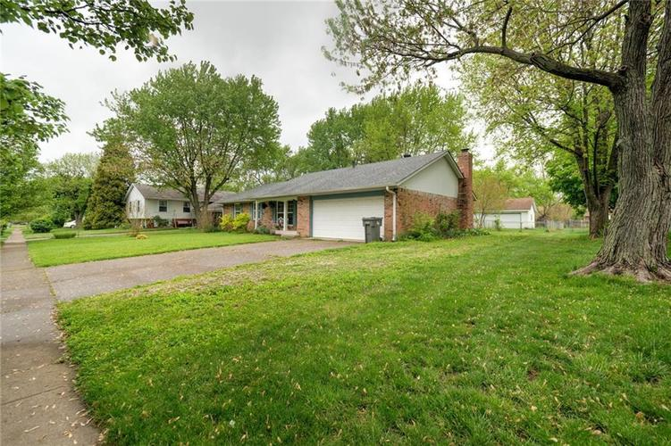 4014 E Stop 10 Road Indianapolis IN 46237 | MLS 21710473 | photo 3