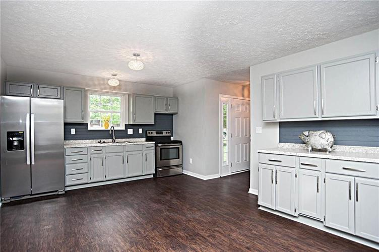 2028 N Bolton Avenue Indianapolis IN 46218 | MLS 21710488 | photo 6