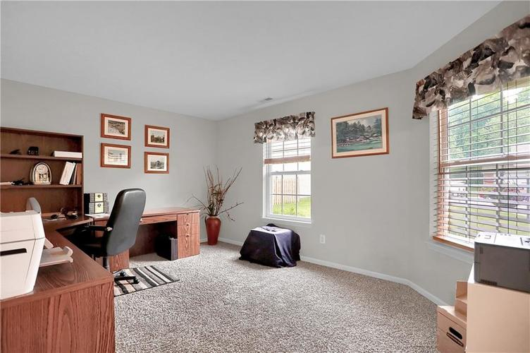 11139 Oakspring Court Indianapolis IN 46239 | MLS 21710523 | photo 4