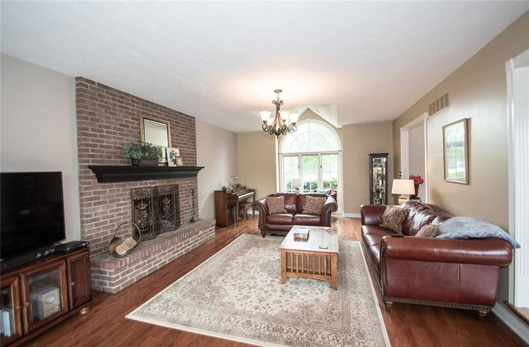12227 Admirals Landing Boulevard Indianapolis IN 46236 | MLS 21710527 | photo 2
