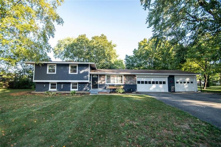 7216 Cricklewood Circle Indianapolis IN 46250   MLS 21710539   photo 1