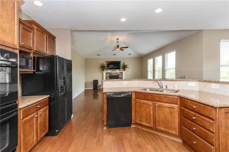 16556 Anderson Way Noblesville IN 46062 | MLS 21710564 | photo 11