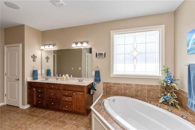 16556 Anderson Way Noblesville IN 46062 | MLS 21710564 | photo 18