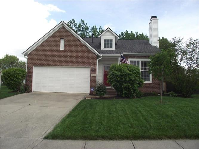 3401 PEARCREST Way Greenwood IN 46143 | MLS 21710569 | photo 1