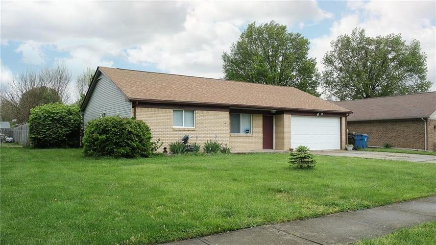 5324 HONEY MANOR Drive Indianapolis IN 46221 | MLS 21710577 | photo 1