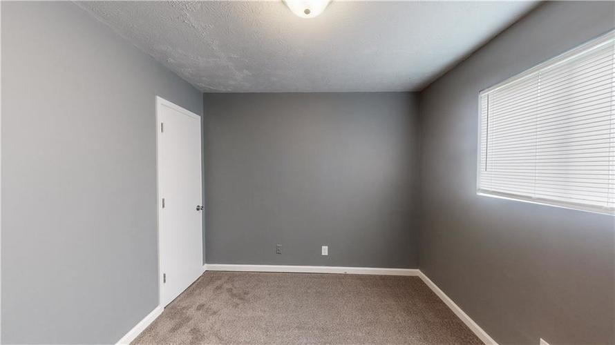 5324 HONEY MANOR Drive Indianapolis IN 46221 | MLS 21710577 | photo 13