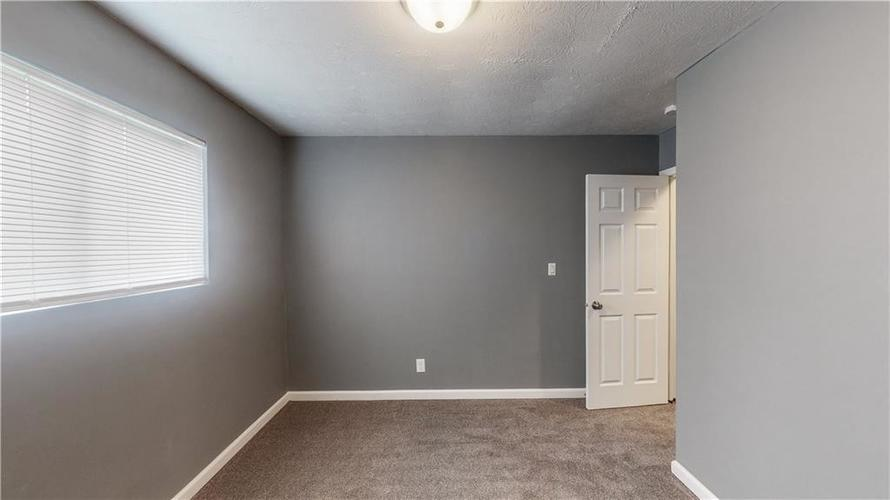 5324 HONEY MANOR Drive Indianapolis IN 46221 | MLS 21710577 | photo 15