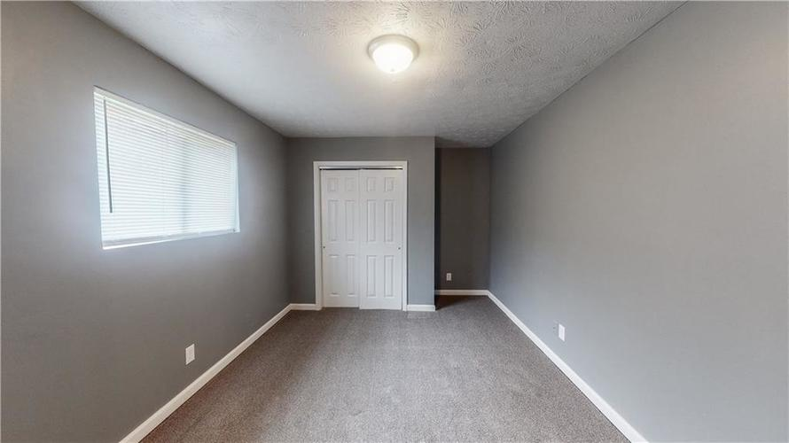 5324 HONEY MANOR Drive Indianapolis IN 46221 | MLS 21710577 | photo 5