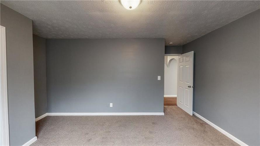 5324 HONEY MANOR Drive Indianapolis IN 46221 | MLS 21710577 | photo 6