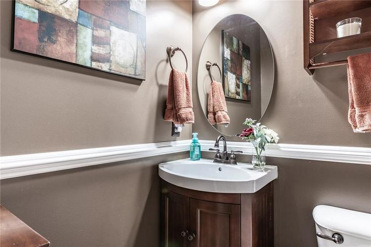 9089 Rider Drive Fishers IN 46038 | MLS 21710587 | photo 11