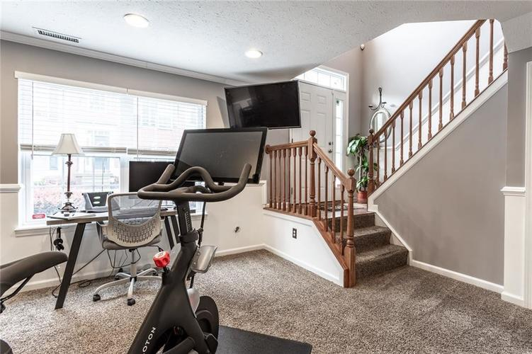 9089 Rider Drive Fishers IN 46038 | MLS 21710587 | photo 6