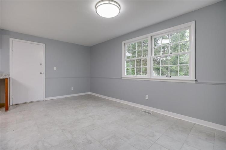 1536 W 74th Place Indianapolis IN 46260 | MLS 21710599 | photo 10
