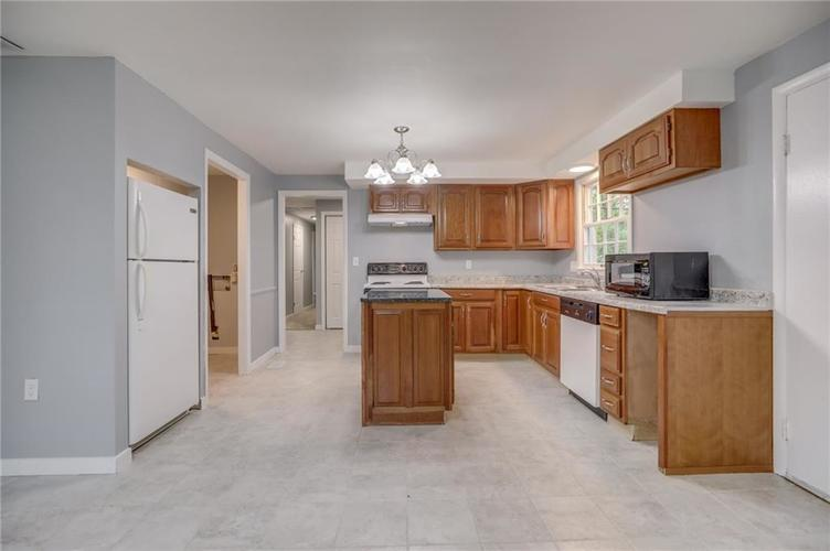 1536 W 74th Place Indianapolis IN 46260 | MLS 21710599 | photo 12