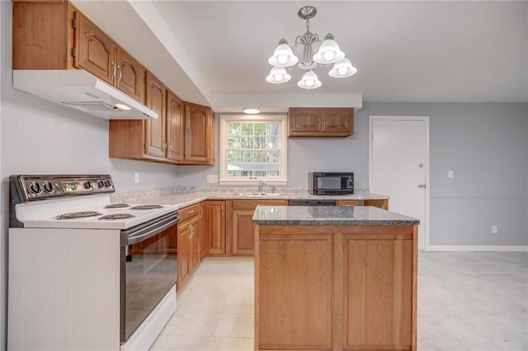 1536 W 74th Place Indianapolis IN 46260 | MLS 21710599 | photo 15