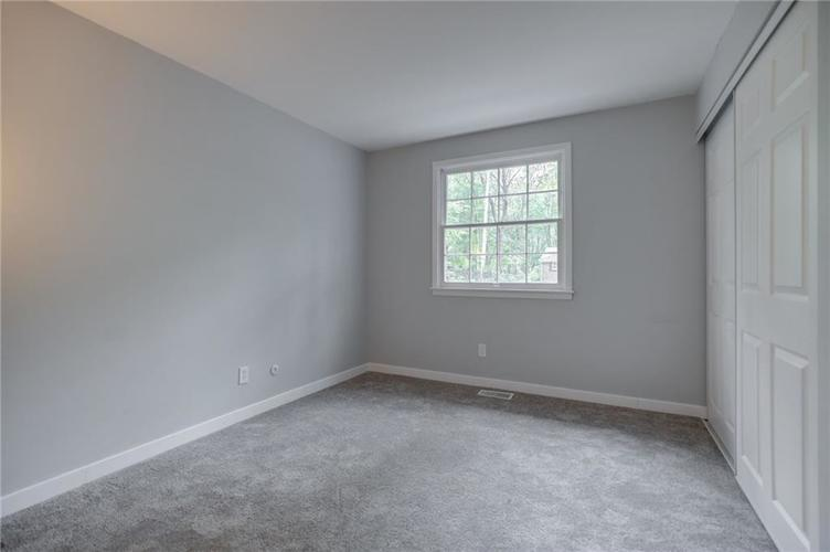 1536 W 74th Place Indianapolis IN 46260 | MLS 21710599 | photo 24