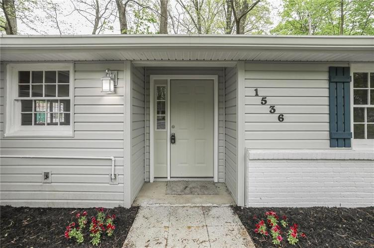 1536 W 74th Place Indianapolis IN 46260 | MLS 21710599 | photo 3
