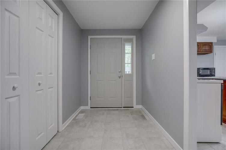 1536 W 74th Place Indianapolis IN 46260 | MLS 21710599 | photo 4