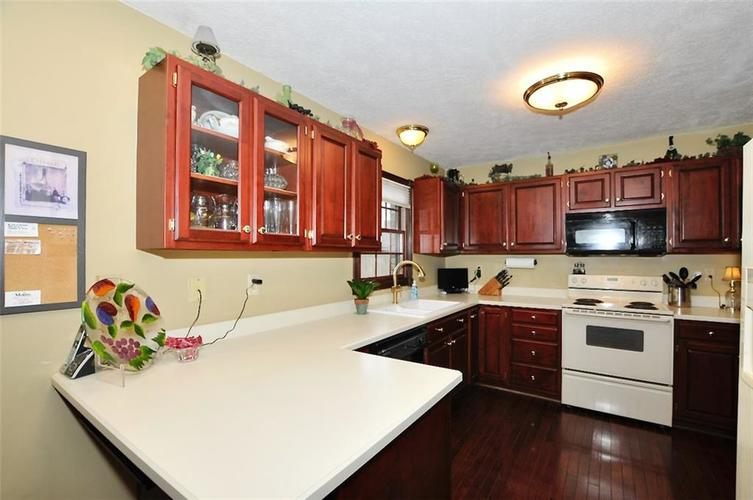 5981 Hall Road Plainfield IN 46168 | MLS 21710605 | photo 10