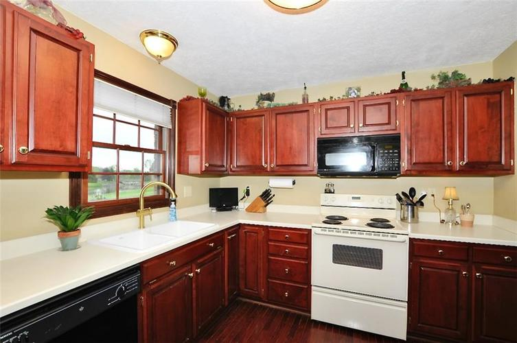 5981 Hall Road Plainfield IN 46168 | MLS 21710605 | photo 12