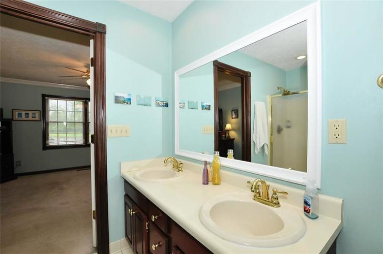 5981 Hall Road Plainfield IN 46168 | MLS 21710605 | photo 24