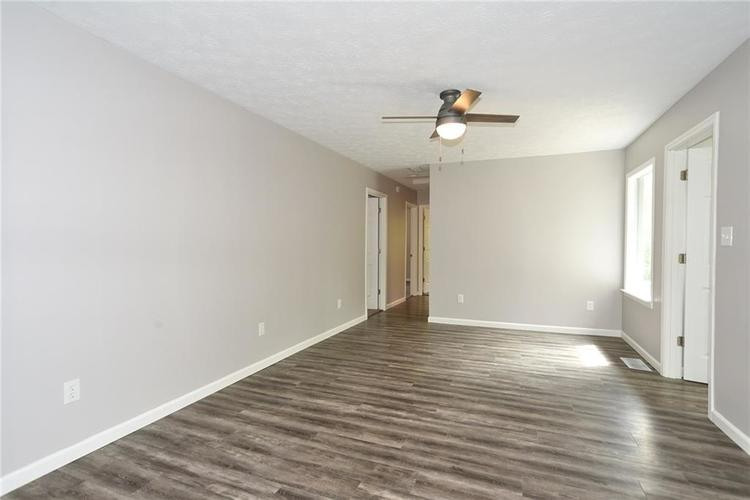 5550 N Franklin Road Indianapolis IN 46226 | MLS 21710651 | photo 12